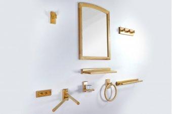 Varnished wood bathroom and toilet kit