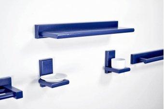 Kit de baño y aseo de madera azul